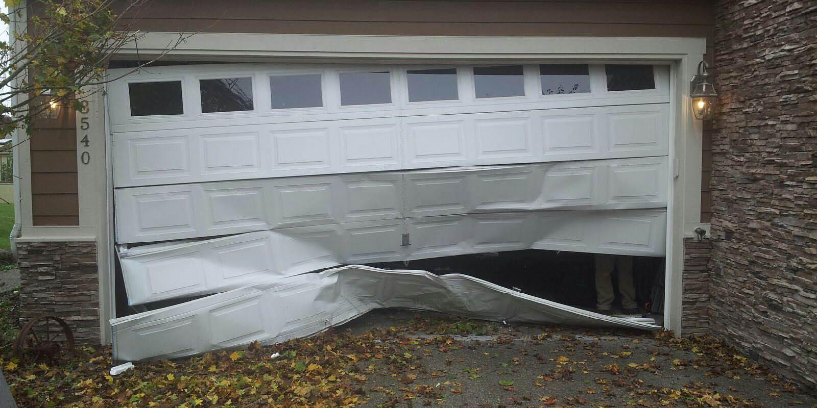 Pesky Broken Garage Door Toronto Star Garage Doors Garage Door